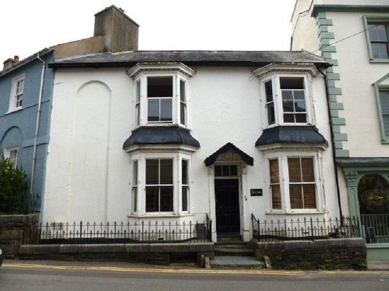 4 Bedrooms Terraced House for sale in 24 Carmarthen Street, Llandeilo, Carmarthenshire.
