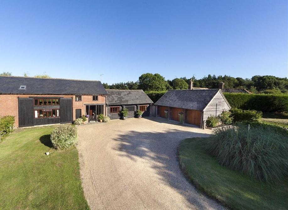 4 Bedrooms Semi Detached House for sale in Rookcross Lane, West Grinstead, Horsham, West Sussex, RH13