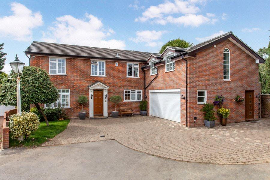 5 Bedrooms Detached House for sale in The Grange, Green Lane, Burnham, Slough, SL1