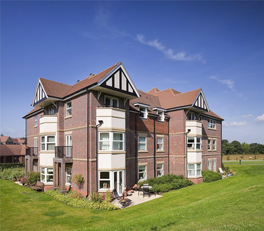 2 Bedrooms Retirement Property for sale in Moreton House, Bramshott Place, Liphook, GU30