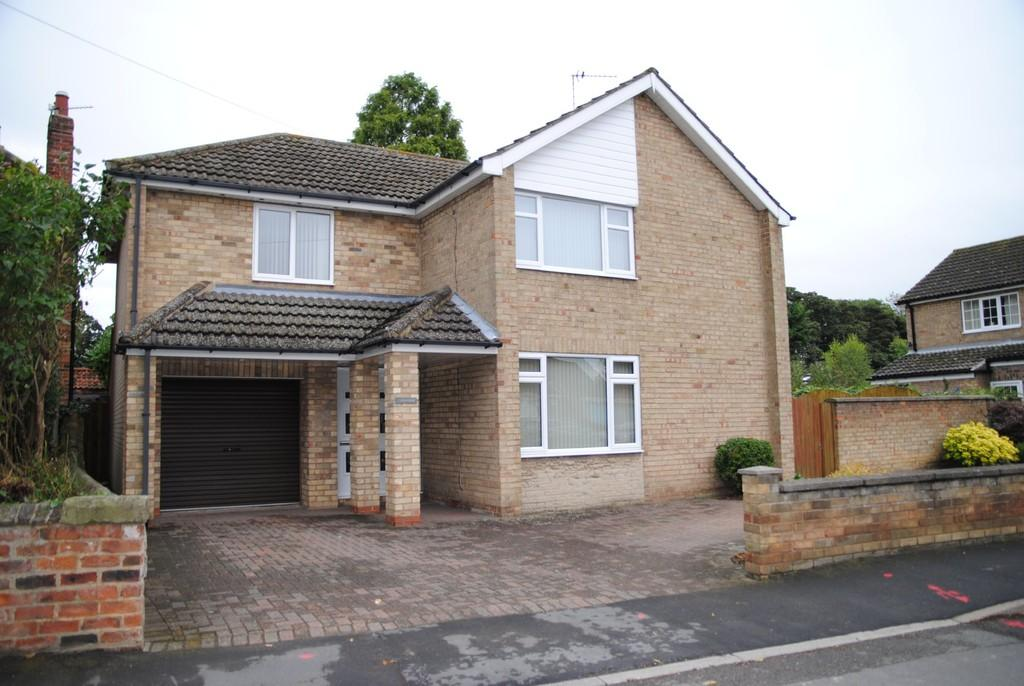 4 Bedrooms Detached House for sale in Church Street, Scawby