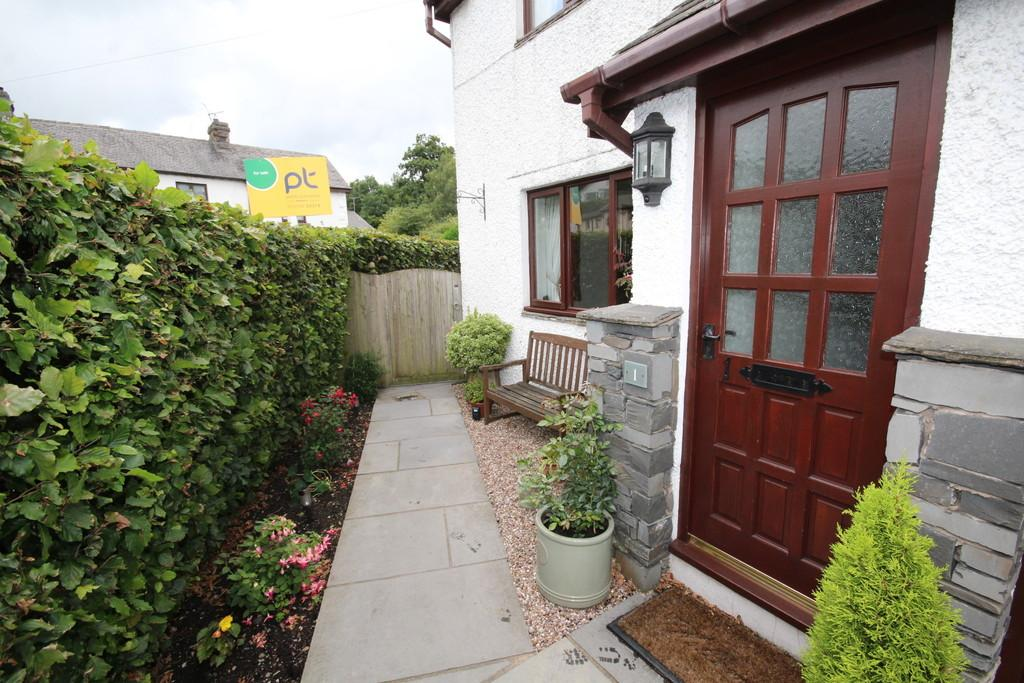 3 Bedrooms Semi Detached House for sale in 1 The Old Smithy Cottage, Lindale