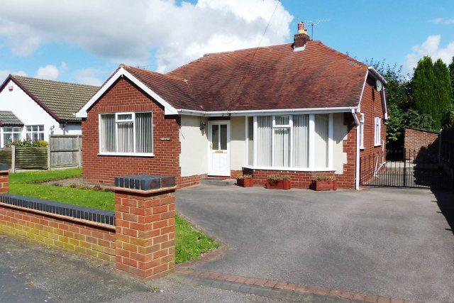 3 Bedrooms Detached Bungalow for sale in Olde Hall Lane,Great Wyrley,Staffordshire