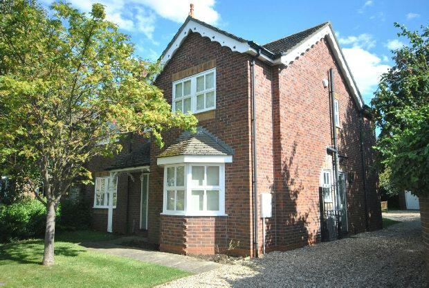 4 Bedrooms Detached House for sale in Hunters Close, Great Coates, GRIMSBY