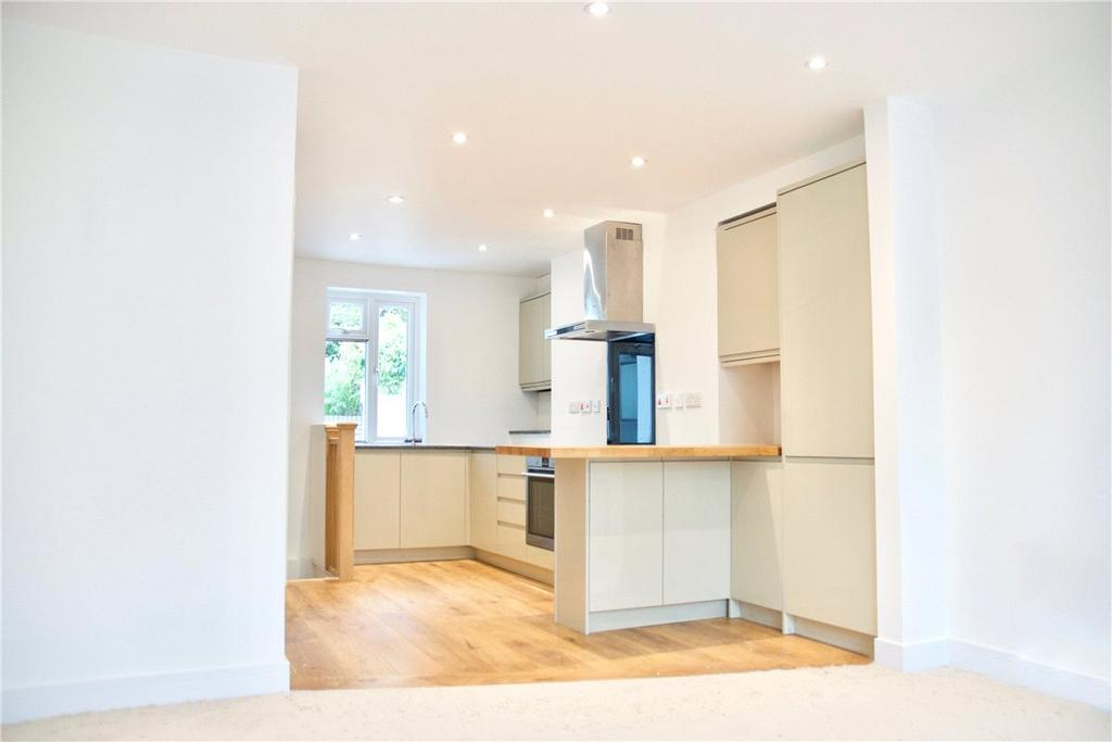 2 Bedrooms Apartment Flat for sale in Upper High Street, Winchester, Hampshire, SO23