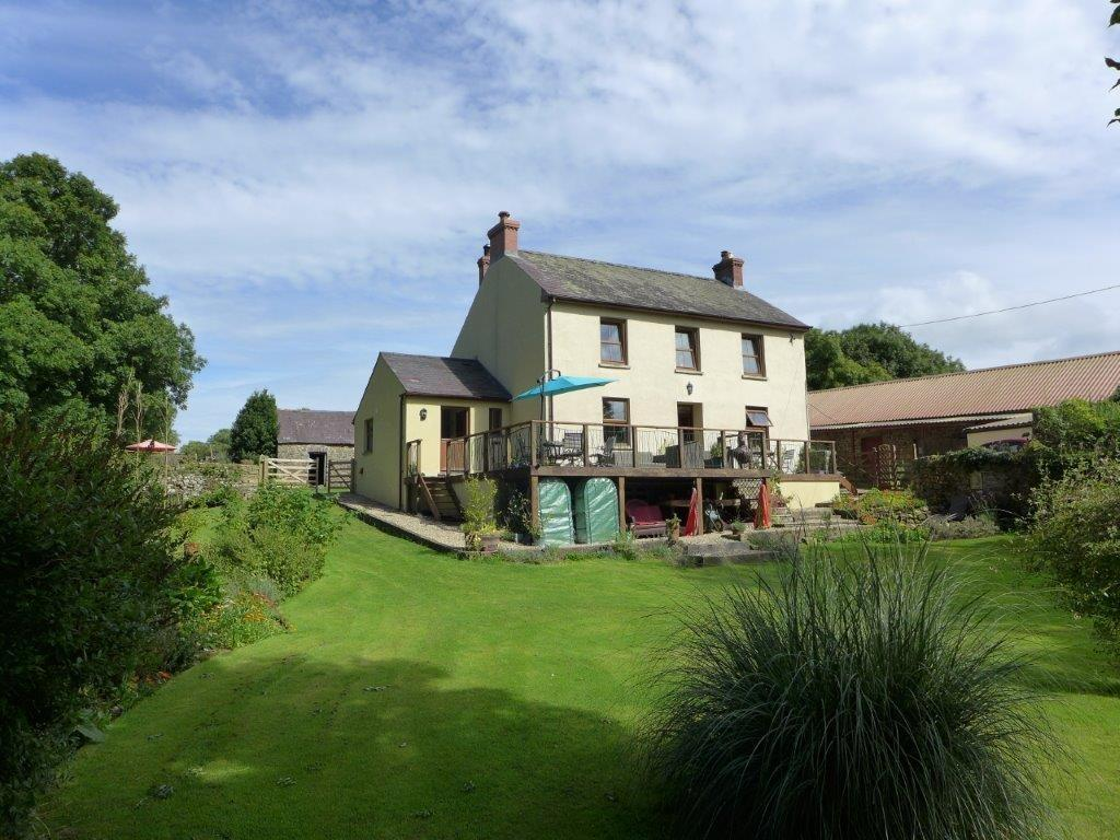 3 Bedrooms Farm House Character Property for sale in Llanddewi Velfrey, Narberth