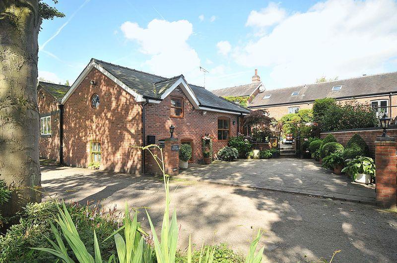 3 Bedrooms Barn Conversion Character Property for sale in Cross Lane, Kermincham Nr Swettenham