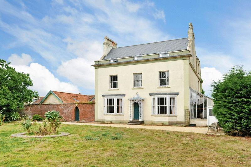 7 Bedrooms Detached House for sale in Hung Road, Shirehampton