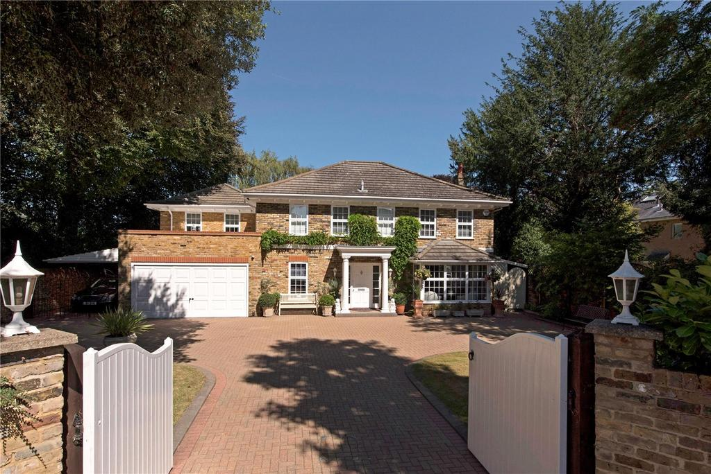 4 Bedrooms Detached House for sale in Palace Road, East Molesey, Surrey, KT8