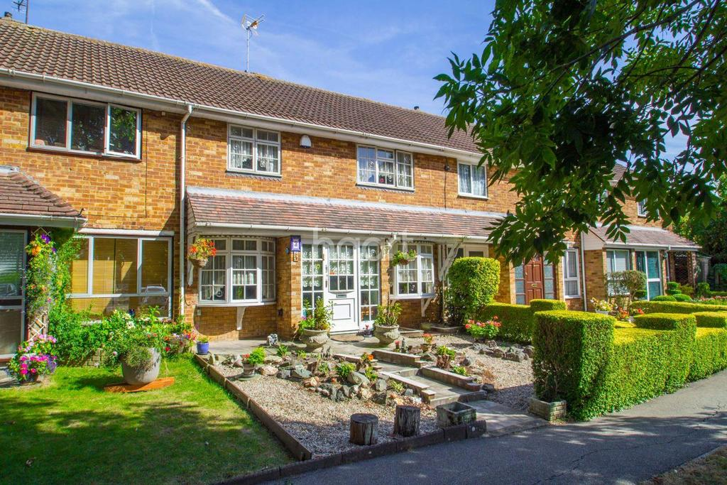 3 Bedrooms Terraced House for sale in Short Acre, Basildon