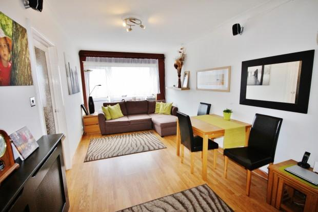 1 Bedroom Flat for sale in Fairfield, Sutton Avenue, Peacehaven, BN10