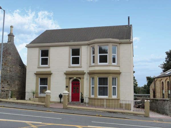 3 Bedrooms Flat for sale in Wellington Villa, 12 Townend Street, Dalry, KA24 4AA