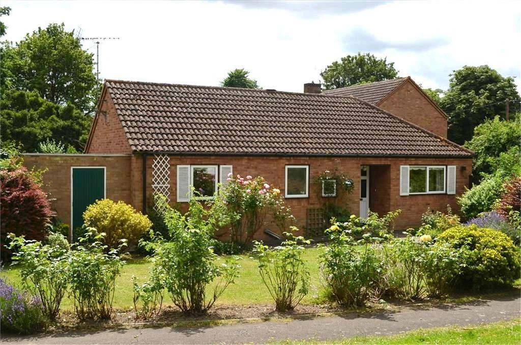 3 Bedrooms Detached Bungalow for sale in Jacksons Way, Fowlmere, Royston, SG8