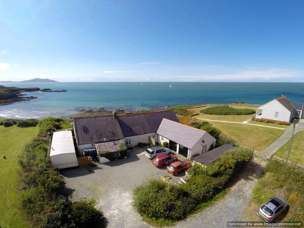 4 Bedrooms Detached House for sale in Borthwen Beach, Church Bay, Anglesey, LL65