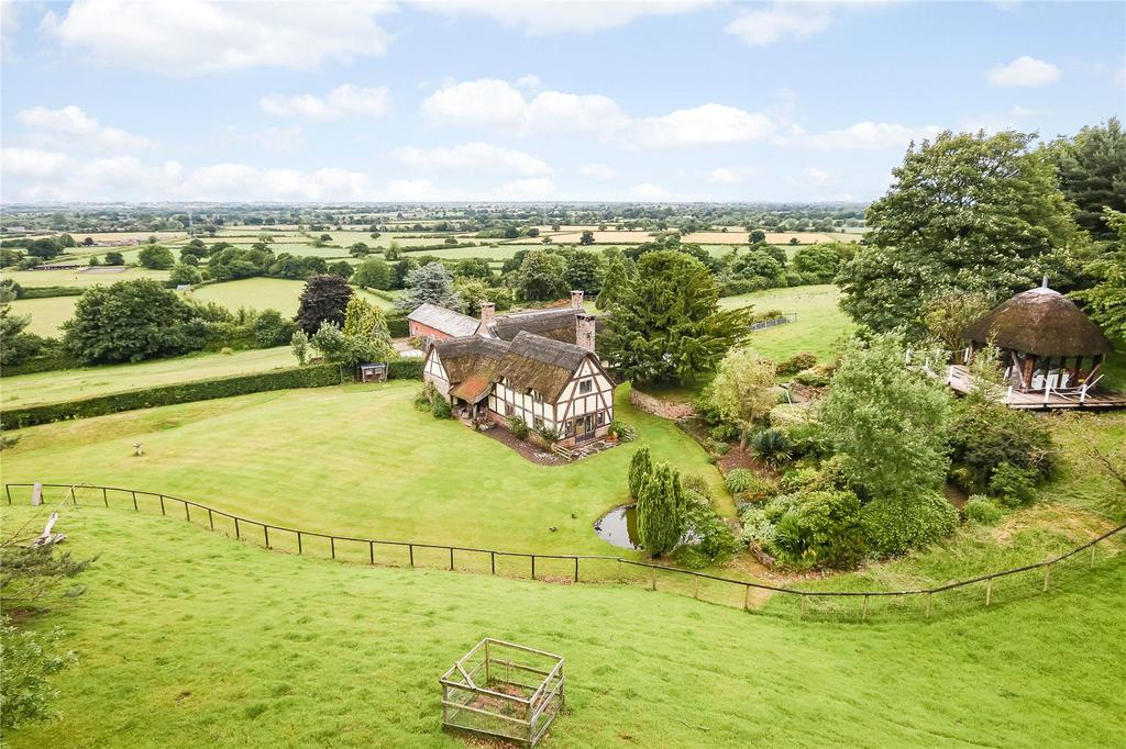 4 Bedrooms Detached House for sale in Sandhole Lane, Norley, Cheshire, CW8