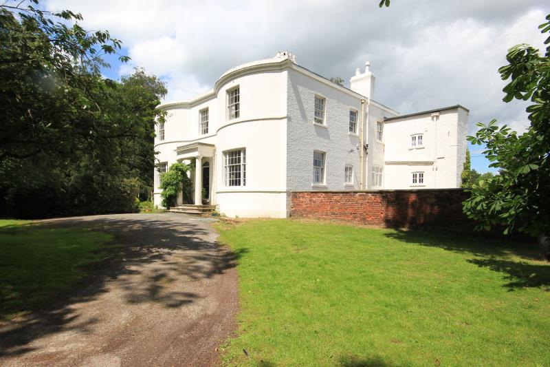 6 Bedrooms Detached House for sale in Tarvin, Chester, CH3