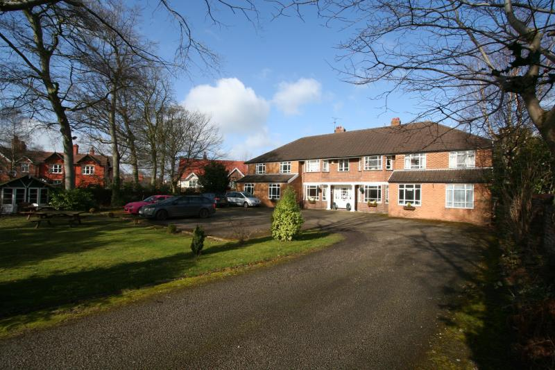 14 Bedrooms Detached House for sale in Hough Green, Chester, CH4