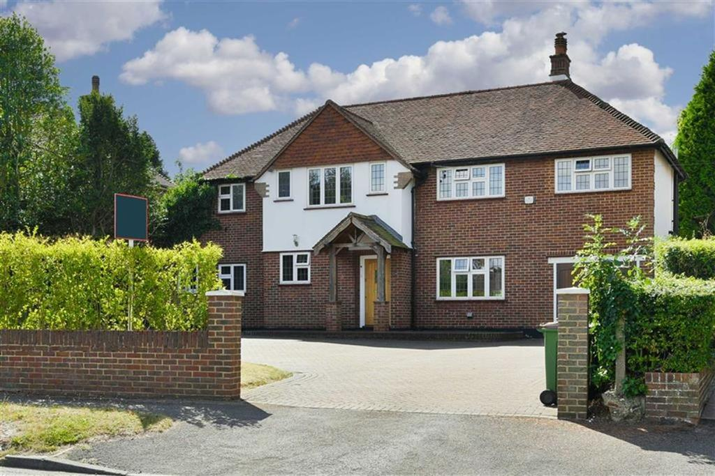 4 Bedrooms Detached House for sale in Banstead Road, Banstead, Surrey