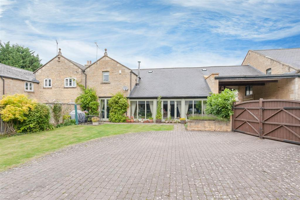 4 Bedrooms Barn Conversion Character Property for sale in Rockhill Farm Court, Chipping Norton