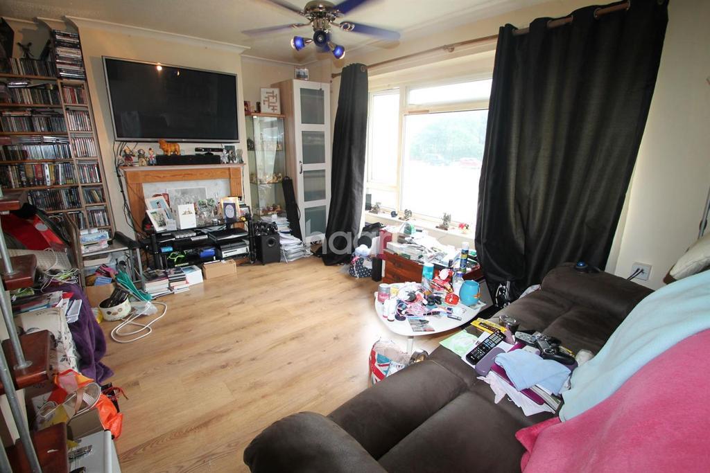 2 Bedrooms Maisonette Flat for sale in Monkton Avenue, Weston-super-Mare
