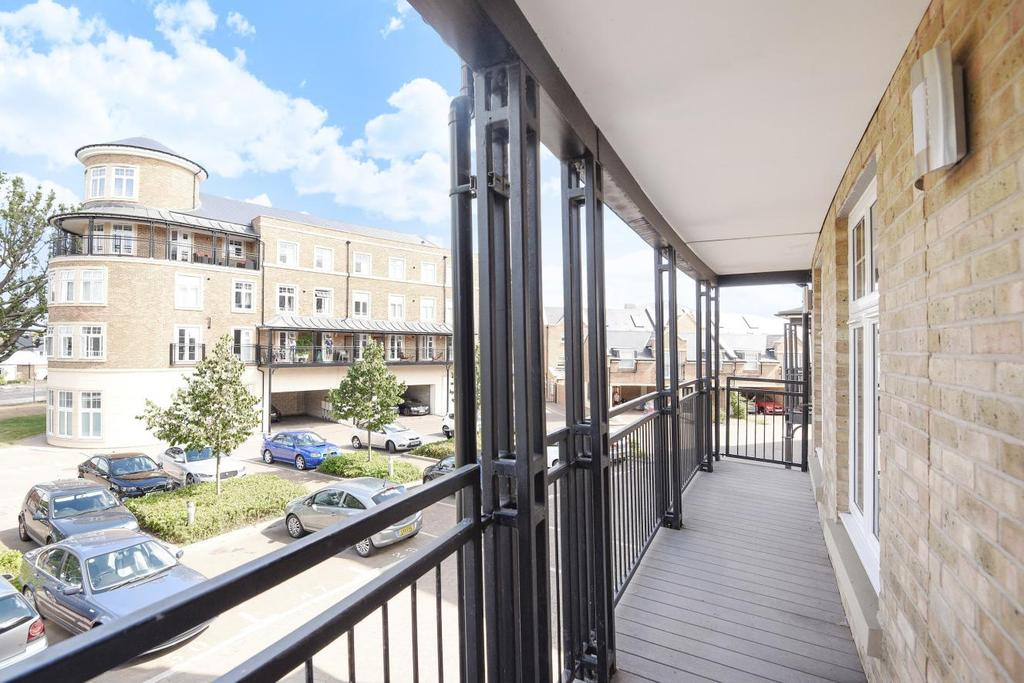 2 Bedrooms Flat for sale in Jefferson Place, Bromley, BR2