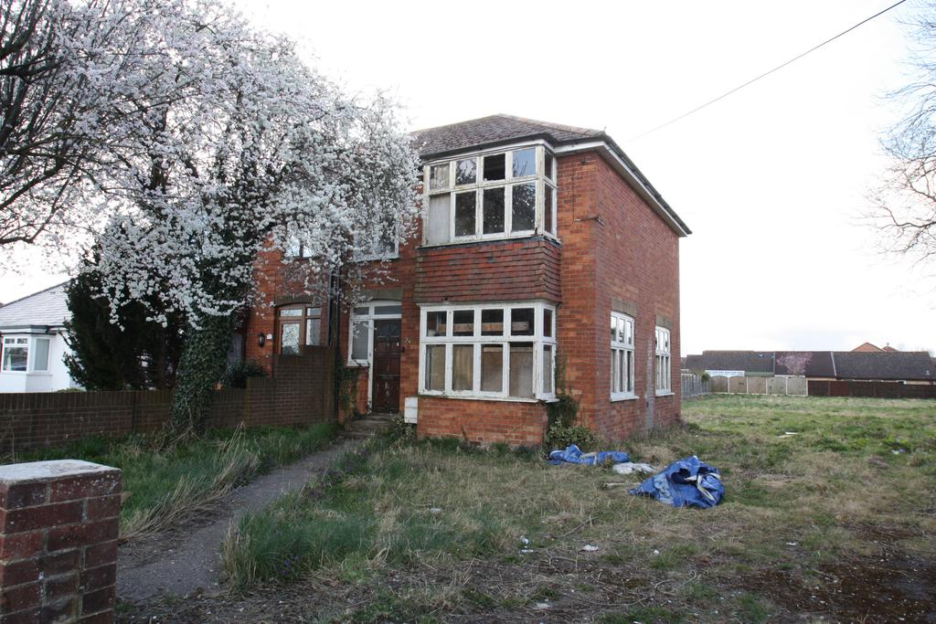 3 Bedrooms Semi Detached House for sale in LUDGERSHALL