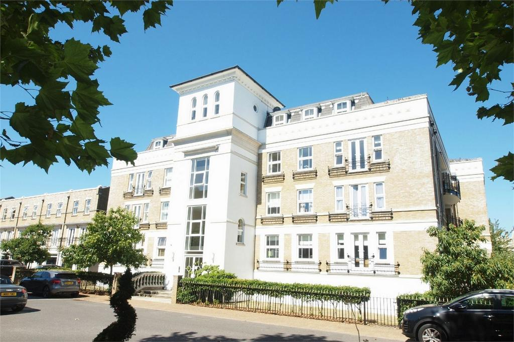 3 Bedrooms Flat for sale in Anderson House, 12 St Martins Lane, Langley Park, Beckenham