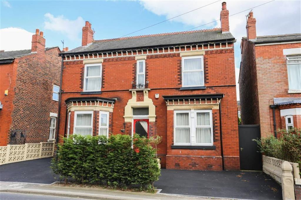 3 Bedrooms Detached House for sale in Hyde Road, Woodley, Cheshire