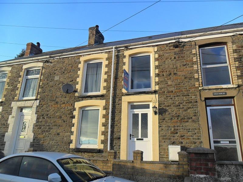 2 Bedrooms Terraced House for sale in Old Road, Pontardawe, Swansea.