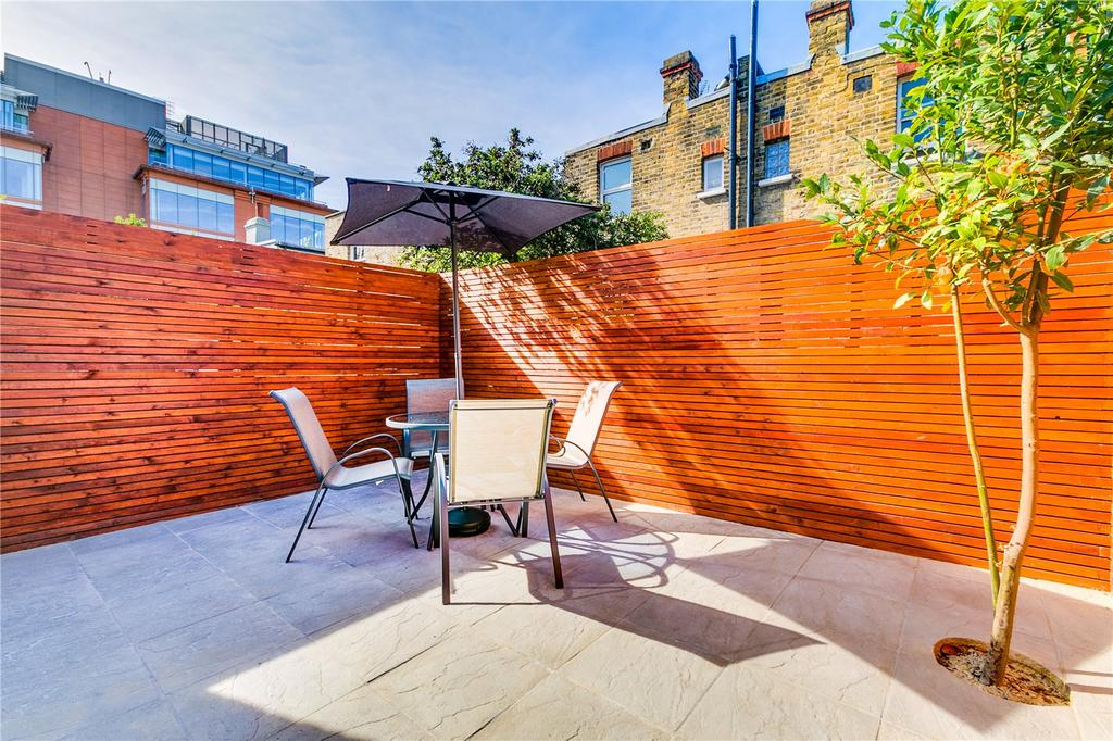 2 Bedrooms Flat for sale in Parfrey Street, Hammersmith, London