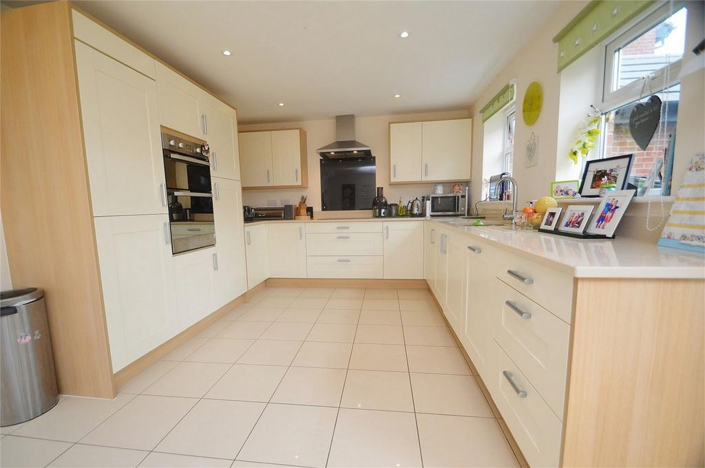 6 Bedrooms Detached House for sale in Betjeman Way, Cleobury Mortimer, Kidderminster, Shropshire