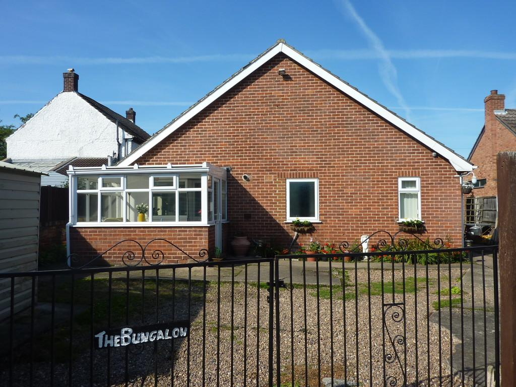 3 Bedrooms Detached Bungalow for sale in Low Street, Torworth, Retford