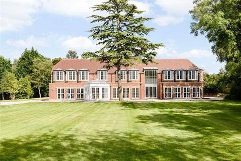 6 bedroom detached house for sale - Fulmer Common Road, Fulmer/Iver, Buckinghamshire