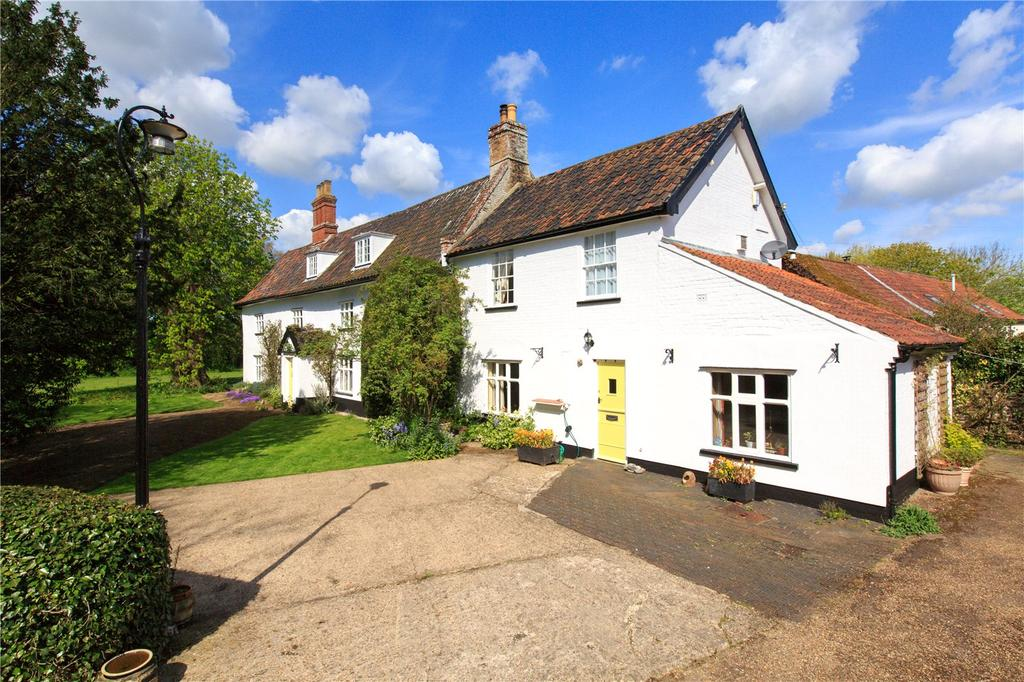 7 Bedrooms Detached House for sale in Church Road, Wacton, Norwich, Norfolk