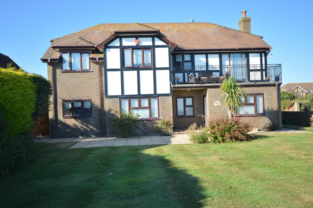 5 Bedrooms Detached House for sale in Marine Drive, Barton on Sea