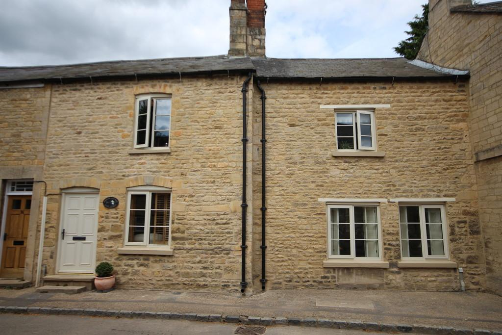 2 Bedrooms Cottage House for sale in West Street, Kings Cliffe