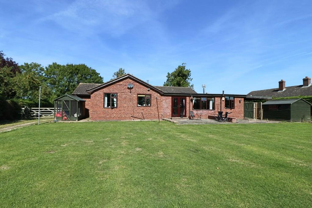 4 Bedrooms Detached Bungalow for sale in Main Road, Saltfleetby