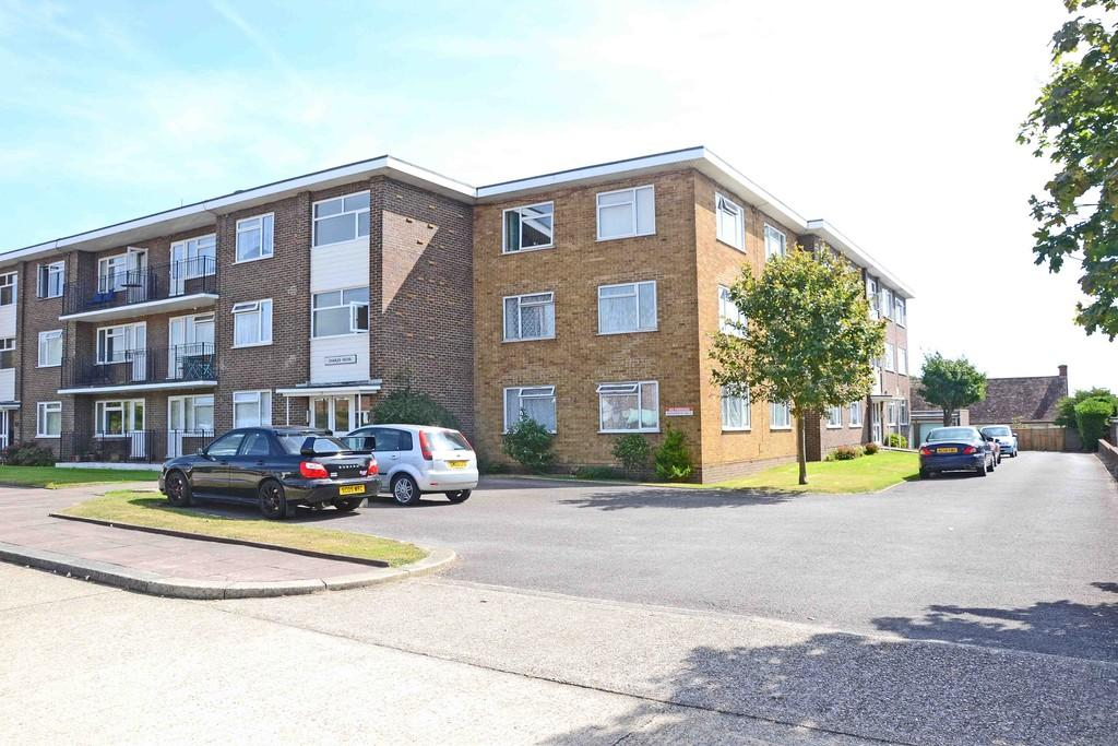 2 Bedrooms Apartment Flat for sale in Goring Road, Goring-by-sea