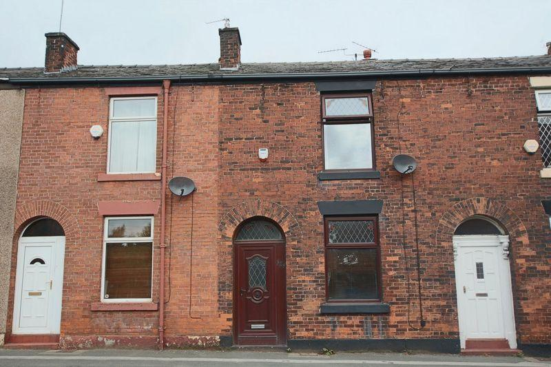 2 Bedrooms Terraced House for sale in Bury Road, Rochdale OL11 4EE