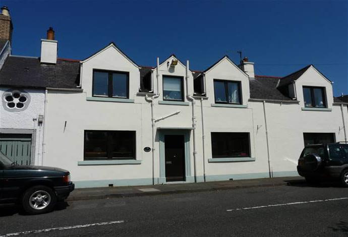 3 Bedrooms Terraced House for sale in Denovan Main Street, St Boswells, TD6 0AZ