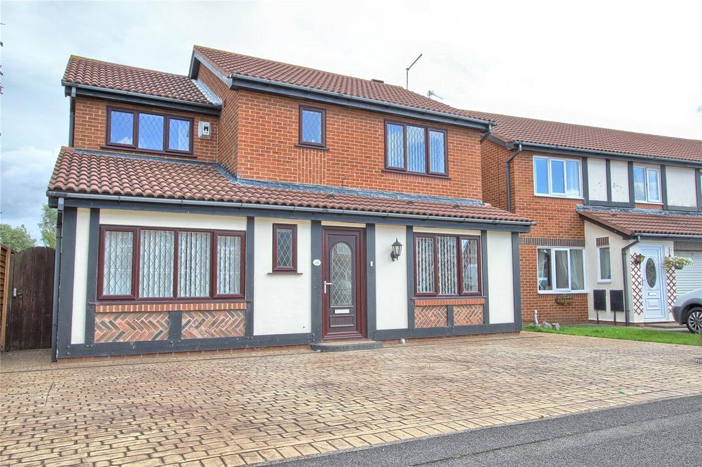 4 Bedrooms Detached House for sale in Hundale Crescent, Redcar