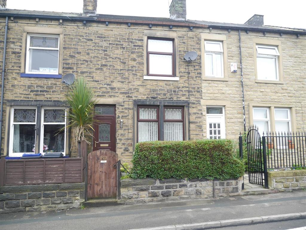 2 Bedrooms Terraced House for sale in Woodhall Avenue, Thornbury, BD3 7BU