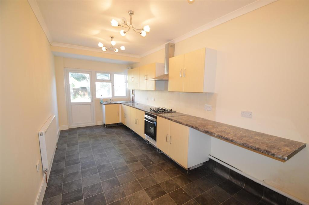 3 Bedrooms Terraced House for sale in Canterbury Street, Gillingham