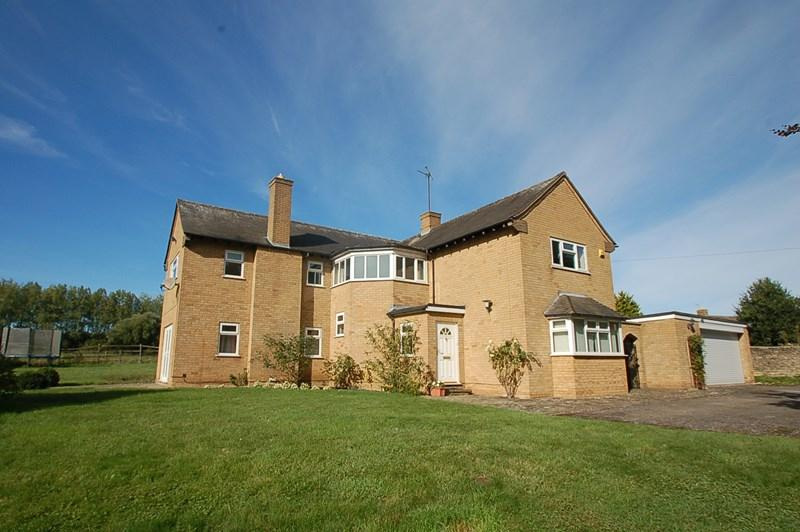 4 Bedrooms Detached House for sale in Barnwell, Near Oundle, PE8