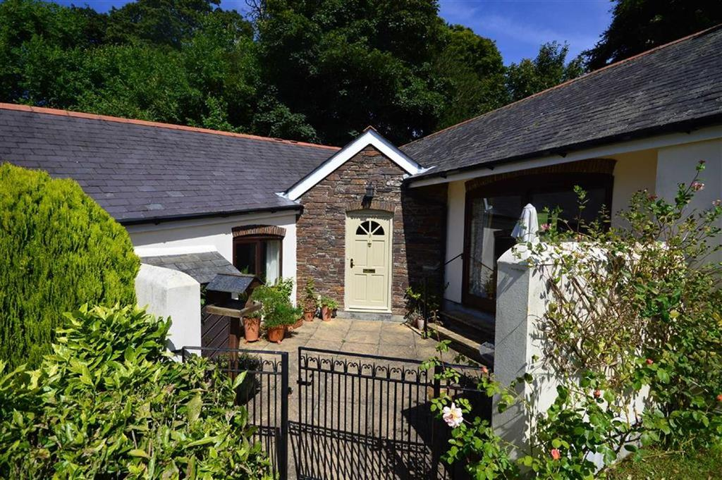 3 Bedrooms Semi Detached House for sale in Churchstow, Kingsbridge, Devon, TQ7