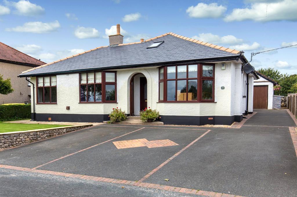3 Bedrooms Detached Bungalow for sale in 35 Borwick Lane, Warton, Lancashire, LA5 9QN