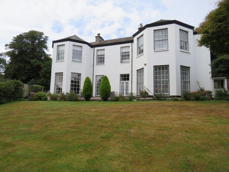 2 Bedrooms Apartment Flat for sale in Tredrea Manor, Perranarworthal