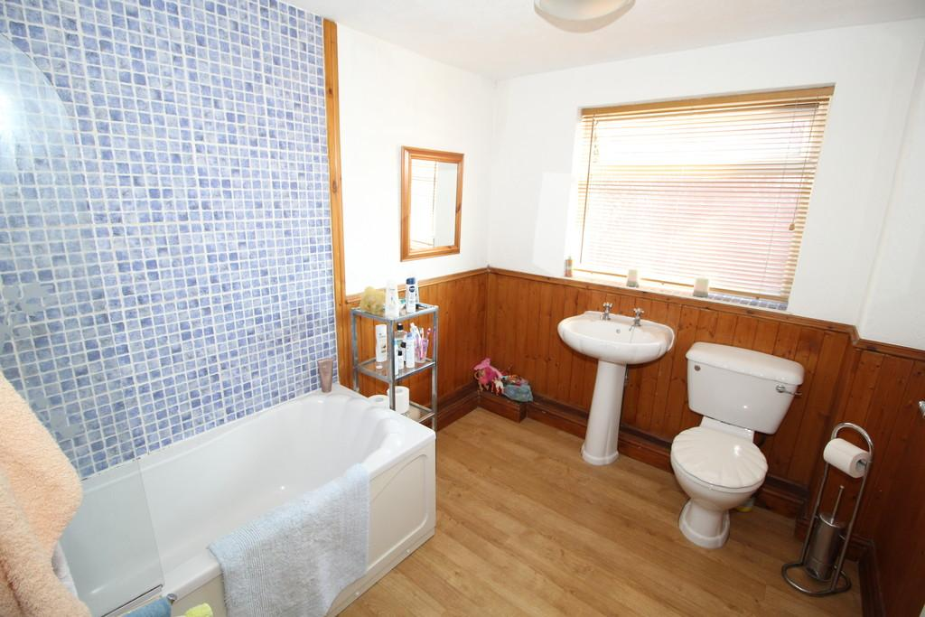 2 Bedrooms Terraced House for sale in Greenbank Road, Normanton
