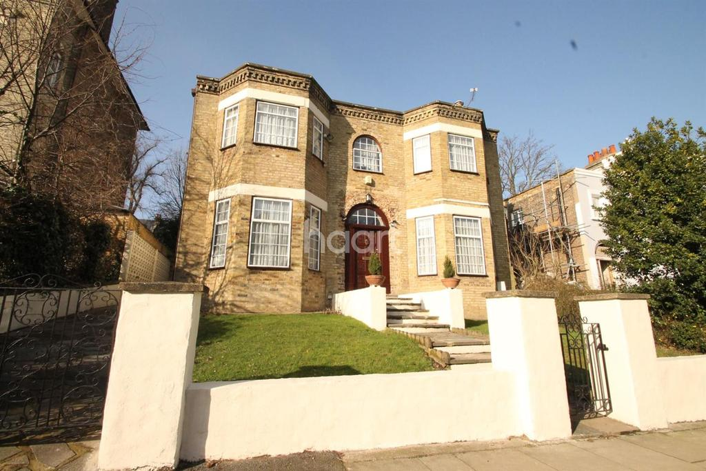 4 Bedrooms Detached House for sale in Hamlet Road, Crystal Palace, SE19