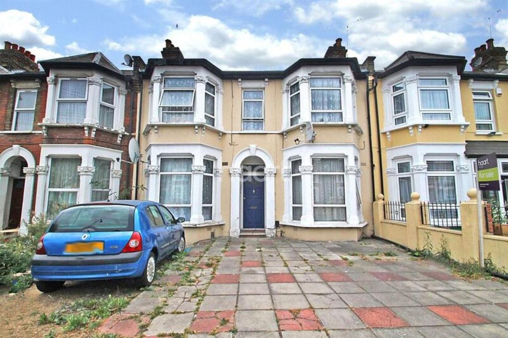1 Bedroom Flat for sale in Northbrook Road, Ilford, Essex